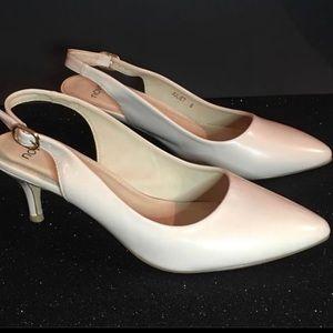 *Novo* Juliet sling back kitten heel. Size 8